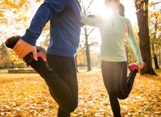 Sport im Herbst Stretching