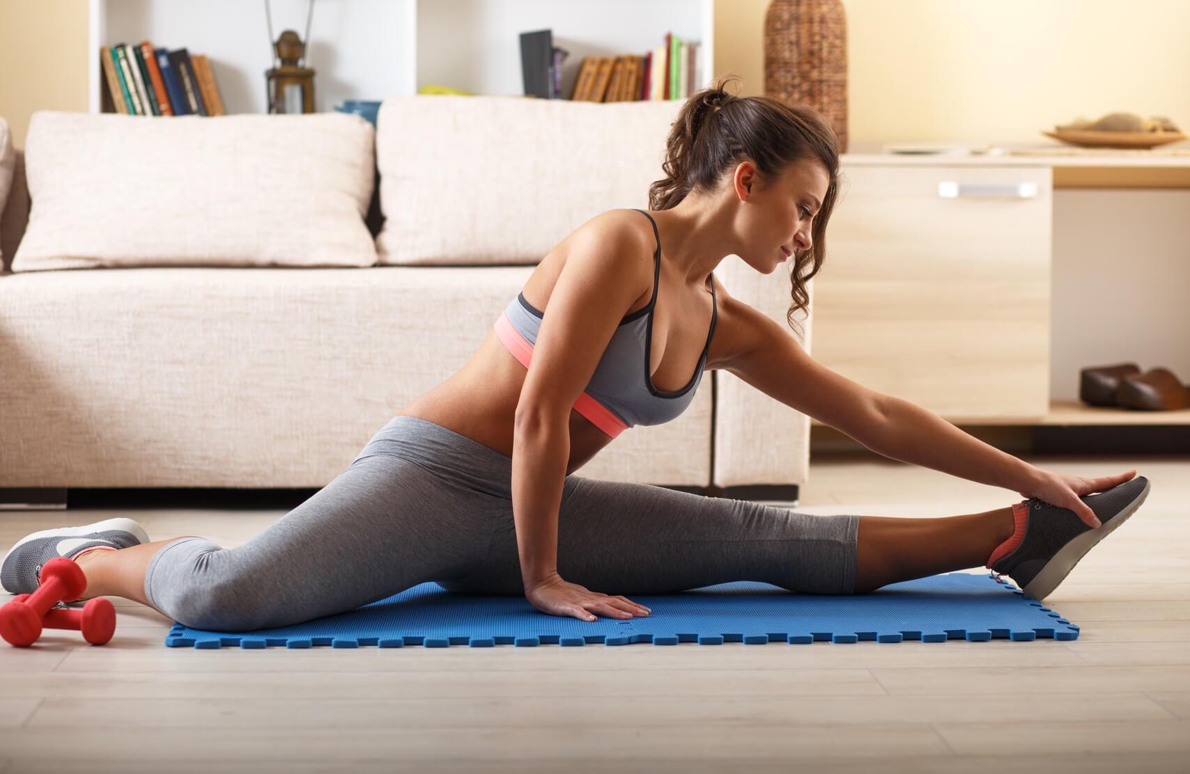 Frau beim Workout