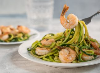 Low Carb Zucchini Zoodles mit Scampi