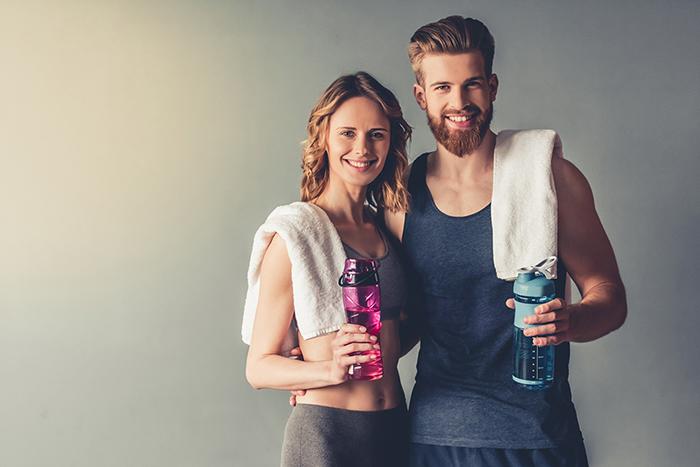 Fitness Paar vor dem Training