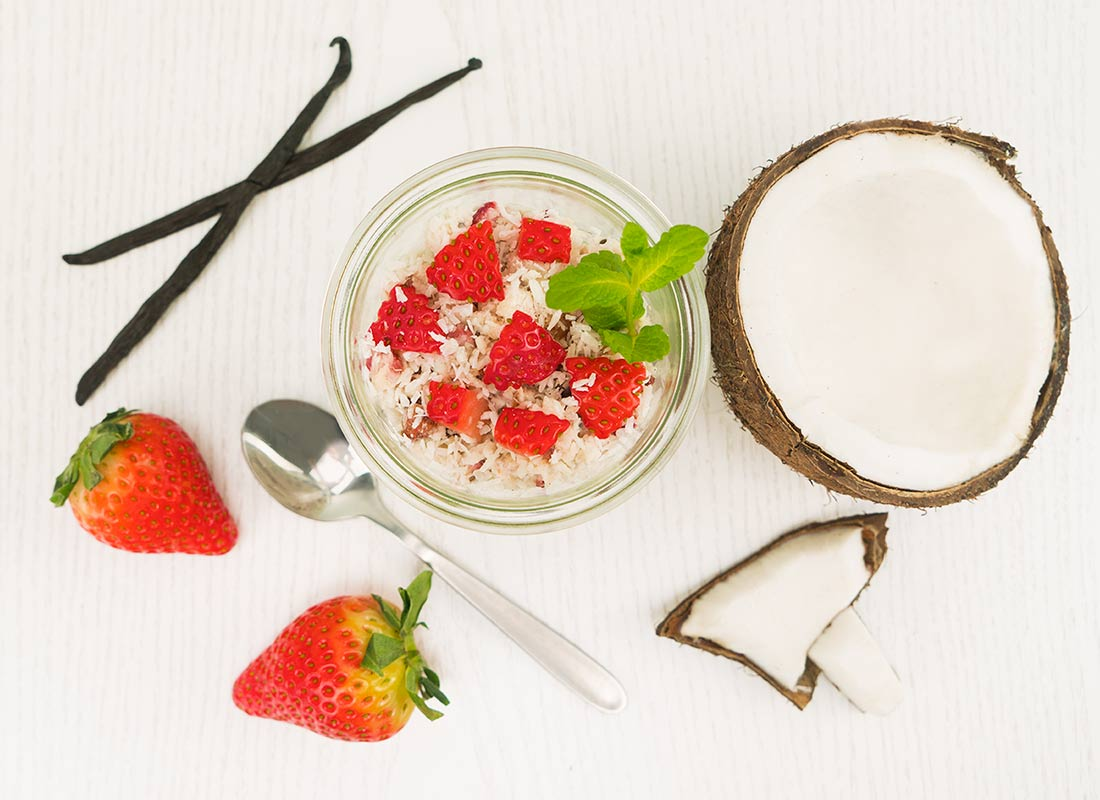 BodyChange Porridge Erdbeere mit frischen Erdbeeren zubereitet